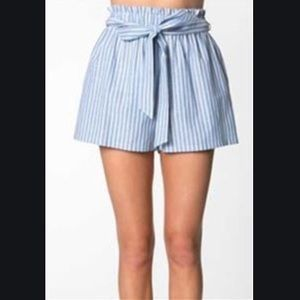 EVERLY Hi-Rise Stripe Paper Bag Shorts Tie Waist
